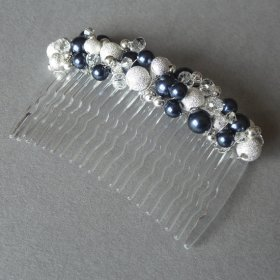 Hair comb, by annakingjewellery on etsy.com