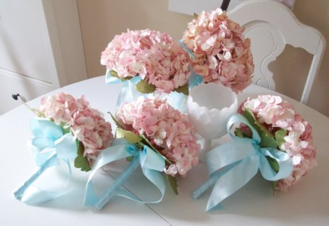 Paper hydrangea bouquets, by AlternativeBlooms on etsy.com