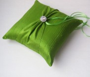 Ring pillow, by RomancingJuliet on etsy.com