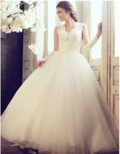 Wedding gown, by Whitesrose on etsy.com