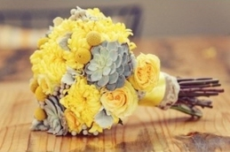 Bouquet inspiration {via allaboutweddings9.wordpress.com}