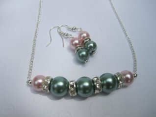 Bridesmaid necklace and earring set, by sweetpeas2012 on etsy.com