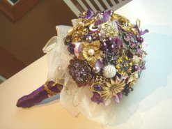 Brooch bouquet, by byZIEHL on etsy.com