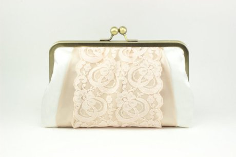 Clutch purse, by DavieandChiyo on etsy.com