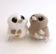 Felt bird cake toppers, by feltmeupdesigns on etsy.com