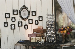 Reception decoration idea {via devilinspiredsteampunkdress.blogspot.com}
