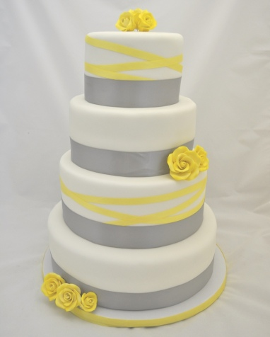 Wedding cake {via cakecentral.com}