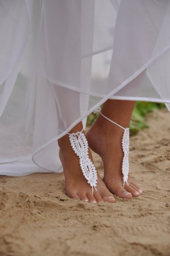 Barefoot sandals, by barmine on etsy.com