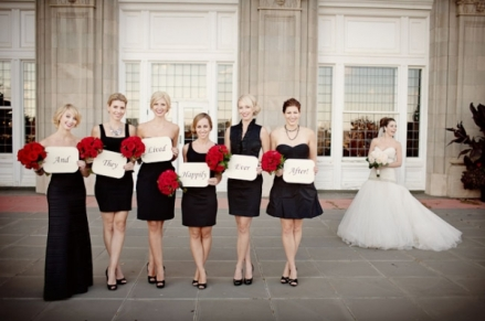 Black, white and red wedding idea {via naijalife.freehostia.com}