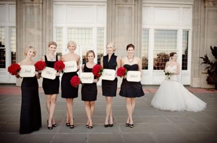 Black, white and red wedding idea {via naijalife.freehostia.com}