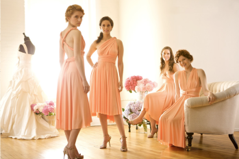 Bridesmaids in peach {via onewed.com}
