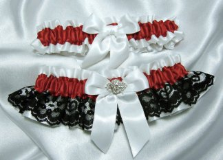 Garter set, by YouNiqueGarters on etsy.com