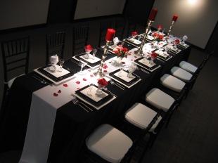 Table setting idea {via reference-weddingdecoration.blogspot.com}
