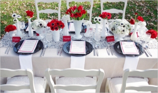 Table setting inspiration {via weddingchicks.com}