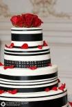 Wedding cake {via gonna-wedding.blogspot.com}