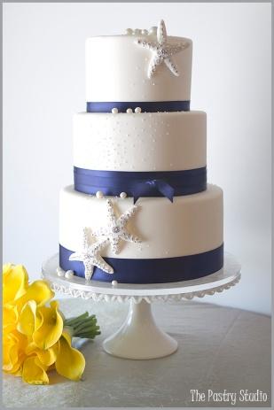 Wedding cake {via thepastrystudio.com}