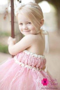 Flower girl dress, by jujustutus on etsy.com