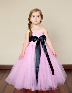 Flower girl dress, by TheLittlePeaBoutique on etsy.com