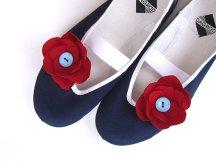 Flower girl shoes, by CzarnaBiedronka on etsy.com