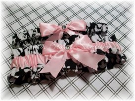 Garters, by CreativeBridal on etsy.com