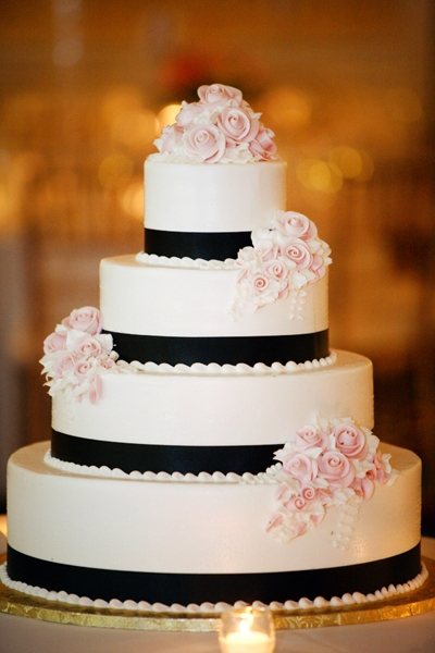 Wedding cake {via onewed.com}