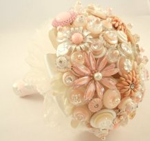 Brooch bouquet, by ZoeGraceBlooms on etsy.com