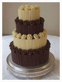 Cake idea {via blog.weddingpaperdivas.com}