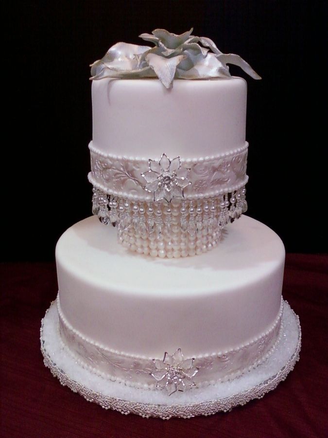 wedding cakes with diamonds and pearls diamonds and pearls wedding the merry 26019