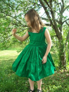 Flower girl dress, by mapletree2000 on etsy.com