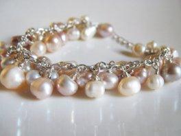 Freshwater pearl bracelet, by MenuchaJewelry on etsy.com