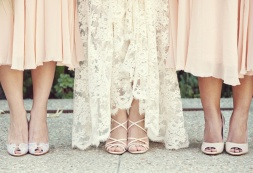 Peaches and cream dresses and heels {via vintagetearoses.com}