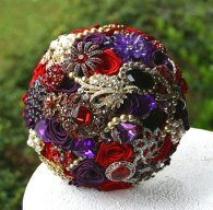 Brooch bouquet, by annasinclair on etsy.com
