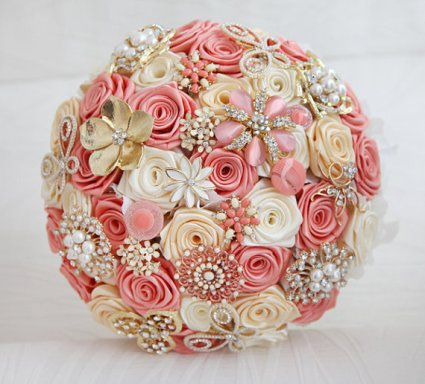 Brooch bouquet, by MagnoliaHandmade on etsy.com