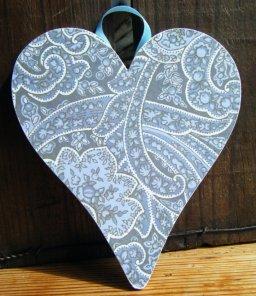 Heart decoration, by DriftwoodAndDebris on etsy.com