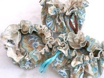 Jewellery pouches, by SewFineFashions on etsy.com