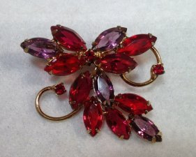 Vintage brooch, by StonesFromHome on etsy.com