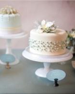 Wedding cake inspiration {via marthastewartweddings.com}