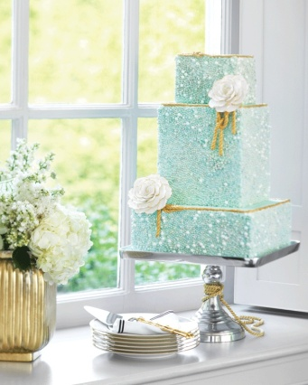 Wedding cake inspiration {via weddingbells.ca}