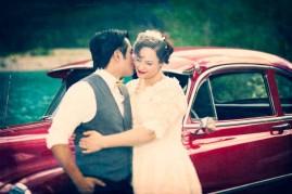 1950s-style bride and groom {via weddingbells.ca}