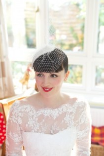 1950s-style bride {via fiftieswedding.com}