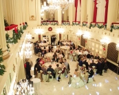 Christmas wedding {via hungamapoint.com}