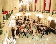 Christmas wedding {via hungamapoint.com}