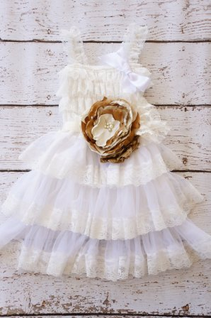 Flower girl dress, by PoshPeanutKids on etsy.com