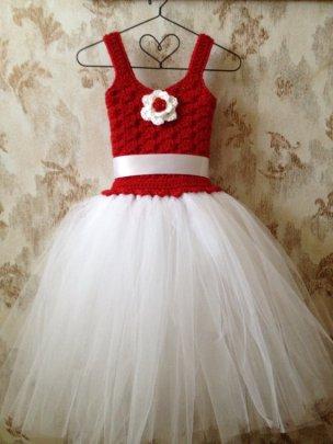Flower girl dress, by Qt2t on etsy.com