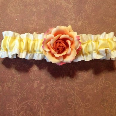 Garter, by LilBlueHeart on etsy.com