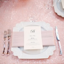 Place setting idea {via theknot.com}