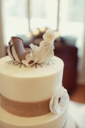 Wedding cake inspiration {via weddbook.com}