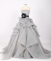 Bridal gown (US$350), by 50Timeless on etsy.com