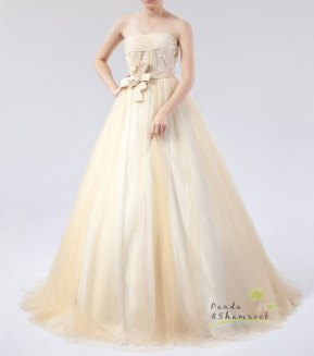 Bridal gown (US$400), by pandaandshamrock on etsy.com