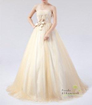 Bridal gown (US$400), by pandaandshamrock on etsy.com